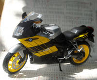 Free Shipping 1/12 Scale Diecast Motorcycle Model Toys BM K1200S Yellow Metal Motorbike Model Toy For Gift/Collection/Kids