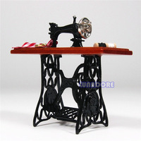 Brown 1:12 Miniature Vintage Miniature Furniture Sewing Machine Sewing Table Scissors Dollhouse Miniature Toys Dolls Accessories