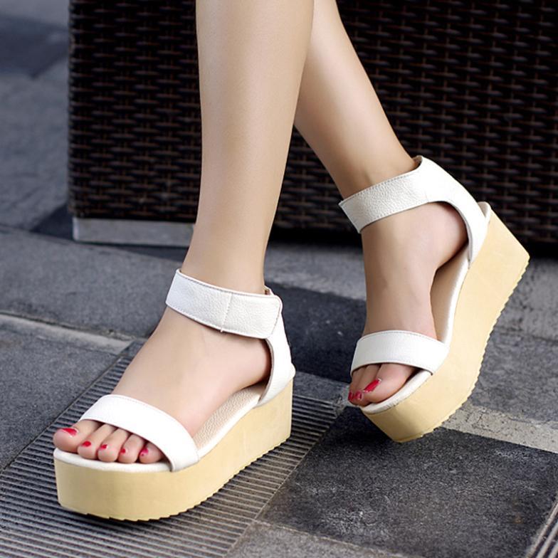 Cool Beaded Women Sandals 5cm High Heels Wedges Pinch Women Shoes
