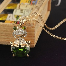 Free Shipping Stylish Design Jewelry Women 14k Gold Filled Austrian Crystal Emerald Frog Pendant Necklace Gift CB0940