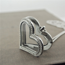 2014 Women magnetic floating locket Pendant Glass heart sharp floacting charm lockets Rhinestone Necklace (China (Mainland))