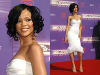 Celebrity Rihanna Style Brazilian Glueless Lace Front Wig Full Lace Short Black Hair Bob Curly Wavy  Hair Wig African Americans