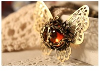 Retro hollow Amber Butterfly Necklace xl138