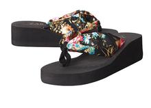 2014 Summer sandal and slippers woman platform flip flops slippers shoes soled slippers women sandals flip-flops(China (Mainland))