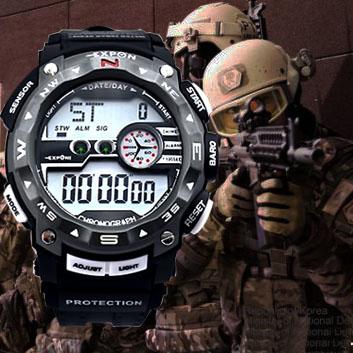 2014 nuova moda orologio militare per gli uomini calendario sportivo 100% impermeabile led orologi elettronici digitali multi colore sveglia