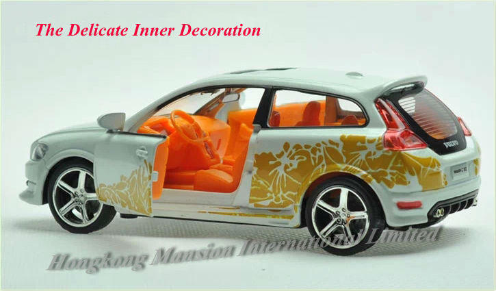 1:32 Scale Alloy Diecast Car Model For Volvo C30 Toy Collection Pull Back With Sound&Light - White / Orange / Red / Black(China (Mainland))