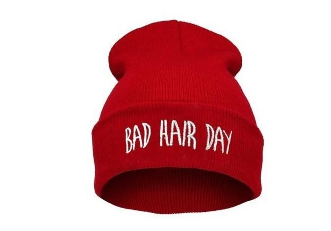 Как сделать надпись на шапке
