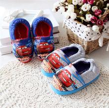 2014 Inicio Coral térmico de algodón vendedor caliente de invierno Espesados Pixar Cars para niños Velvet Slipper Casual Zapatos Hogar para niños(China (Mainland))