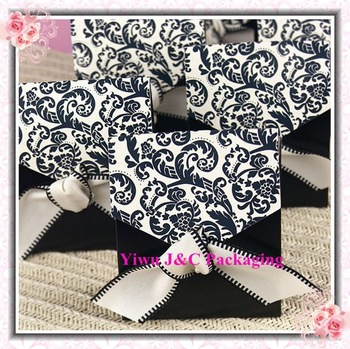 FREE SHIPPING-- Hot Damask Wedding Candy Box, Wedding Favor Box, Paper Gift Box(JCO-337)