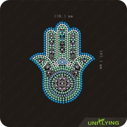 Free shipping iron-on transfer hand shape rhinestone motifs door to door delivery(China (Mainland))
