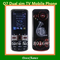 Hot selling Q7 TV 2.2 screen dual sim unlocked mobile phone