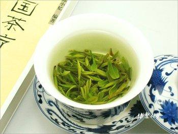 New Tea 125g Longjing Dragon Well Tea China green Tea picked before Grain Rain  Free shiping