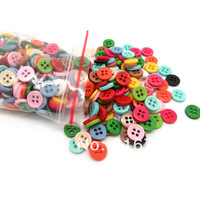 Hot Sale   free Shipping 500pcs Random Mixed Resin 4 Holes Sewing Buttons Scrapbooking 9mm Knopf Bouton(w01485 X 1) AA