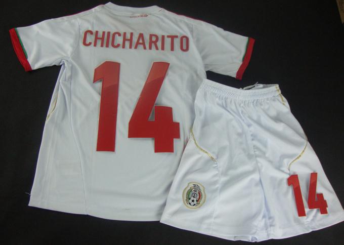 http://i01.i.aliimg.com/wsphoto/v2/652625051_1/2013-2014-font-b-Mexico-b-font-White-14-CHICHARITO-font-b-Soccer-b-font-Shirts.jpg