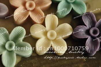 2012 Hot selling cute 16mm 15 colors Resin flower for DIY Accessory/mobilephone decoration Wholesale 100pcs/lot