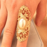 High qulity 2014 Vintage Fashionable Hot Alloy Hollow Metallic Gold pearl finger Rings for Women jewelry