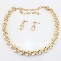 SN1203304 Pearl Bib Necklace Platinum Gold Earrings Set Fashion