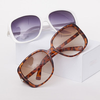 2013 Elegant Ladies Big Square Sunglasses Fashion Gradient Lens Sunglass Women Brand Designer Outdoor Goggles Eyewear UV 400