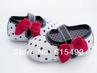 Retail Free shipping 2013 fashion spring autumn girls dot print PU baby bow toddler shoes first walkers footwear 11cm 12cm 13cm