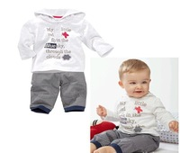 white long-sleeved boy baby suit