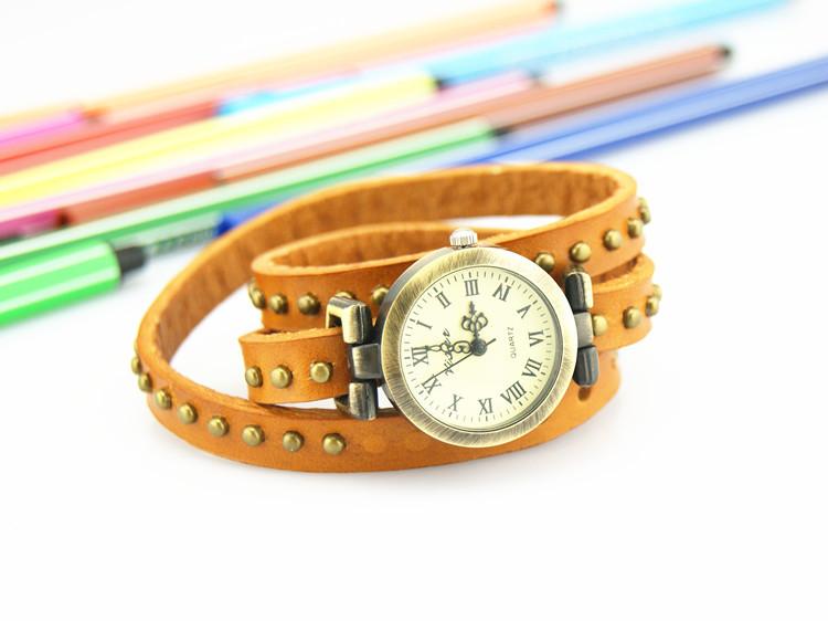 2013 relógio de couro genuíno punk cobre relógio do Vintage com rodada rebites pulseira de relógio senhoras para as mulheres grátis frete(China (Mainland))