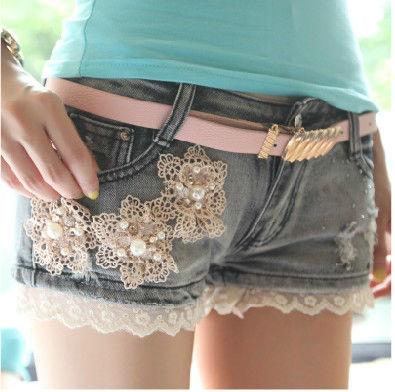 Шорты из джинс с бусинами