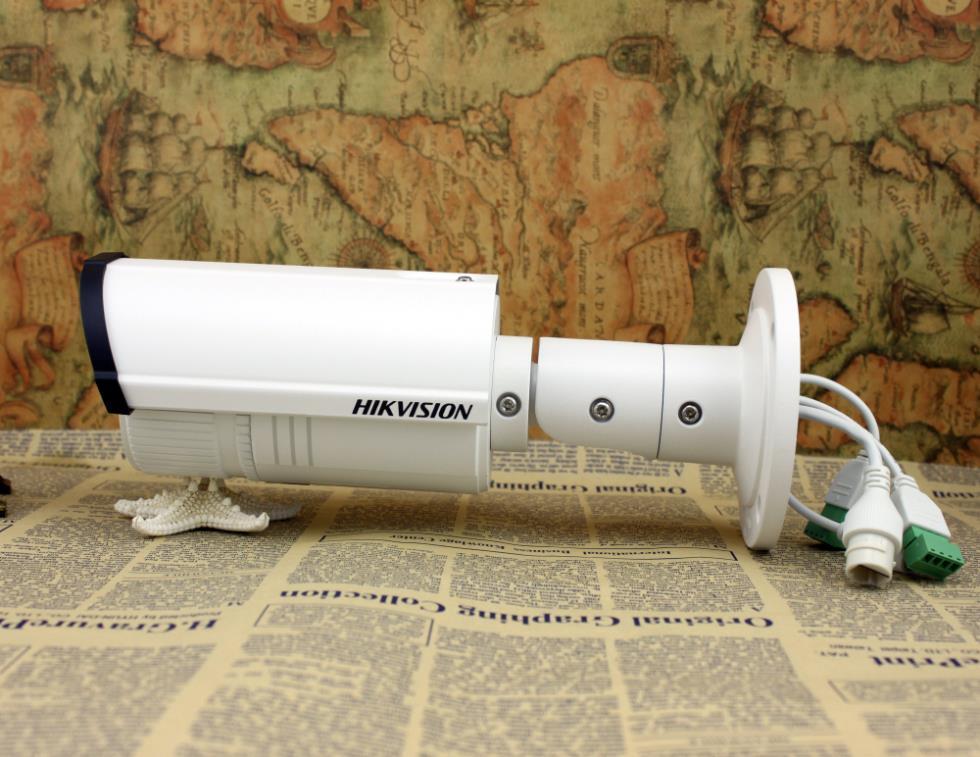 Ip caméra réseau hikvision ds- 2cd2632f- est, 3mp 2.8-12mm vari- focale lentilleinfrarouge, avec audio/d'alarme,ip66 ds- 2cd2632f- je