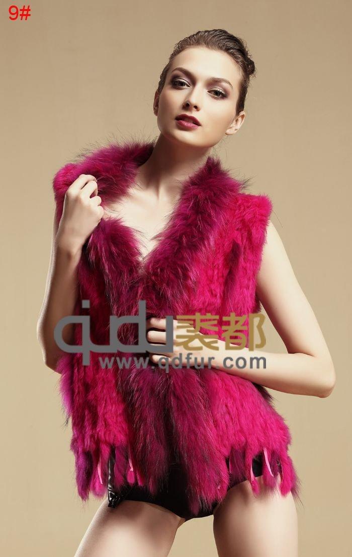 2014 lady véritable fourrure de lapin tricoté gilet avec des glands fourrure de raton laveur rognage. colete pele qdmj001 gilet de fourrure des femmes