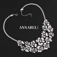 High quality Fashion Classic Metal Flower Necklaces & Pendants 2014Vintage Crystal Choker Statement Necklace for Women Jewelry