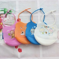 Free shipping 2pcs/lot Skin Baby Bibs Eat Solid Convenience Health Silicone Waterproof Bibs D262