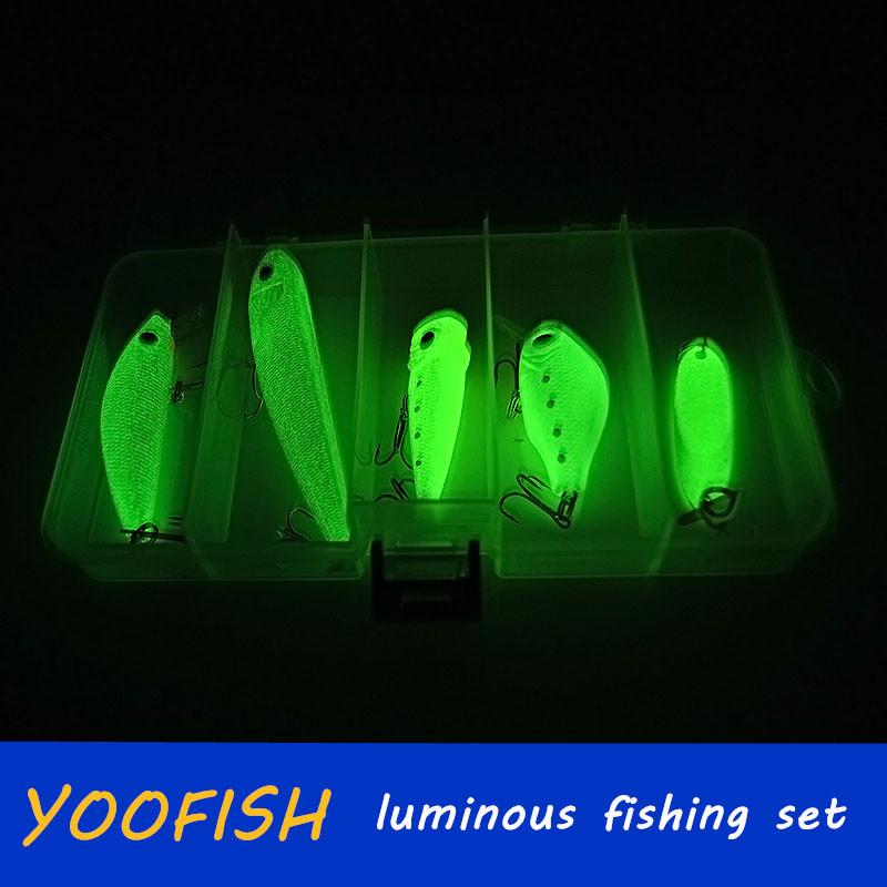 wholesale store fishing lures luminous minnow popper crank bait metal sequins hook jig wobblers lure sea fishing tackle bait box(China (Mainland))