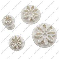 Free shipping,Plastic 4pcs Daisy shape cake fondant plunger cutters