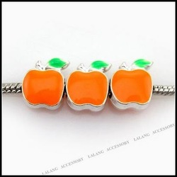 30xNew Silver Plated Orange Enamel Apple Alloy Bead Fashion Bead Wholesale Jewelry Fit European Bracelet 150966(China (Mainland))