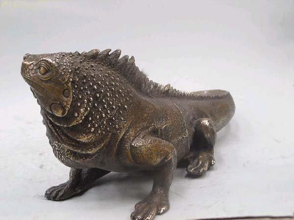 Iguanidae Iguanidae Iguana Statue