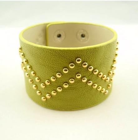 Spedizione gratuita 2012 nuovo stile punk erba verde piccolo w round unghie 20pcs/lot pu cinturino in pelle