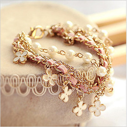 (Min order $10 free shipping )2012 new designer Beautiful leather cord Clover girls bracelet hand ring 0901(China (Mainland))