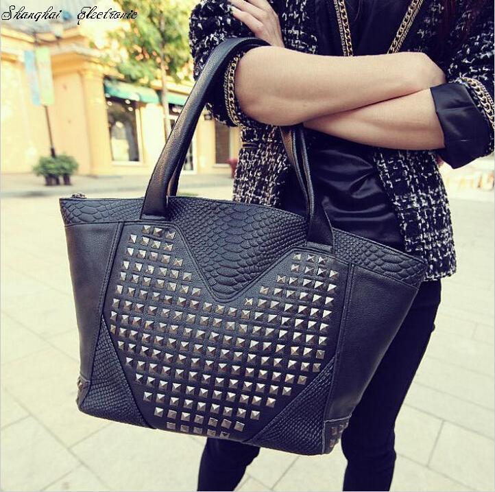 Hot!! crocodile pattern rivet bag shoulder bags women's handbag messenger bag free shipping(China (Mainland))