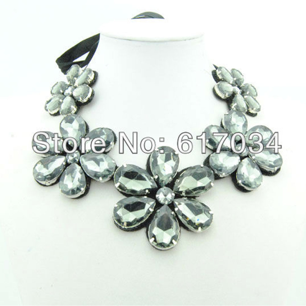 Free shipping Fashion Crystal Necklace With 5 glass Drill Flowers Collar For Women(China (Mainland))
