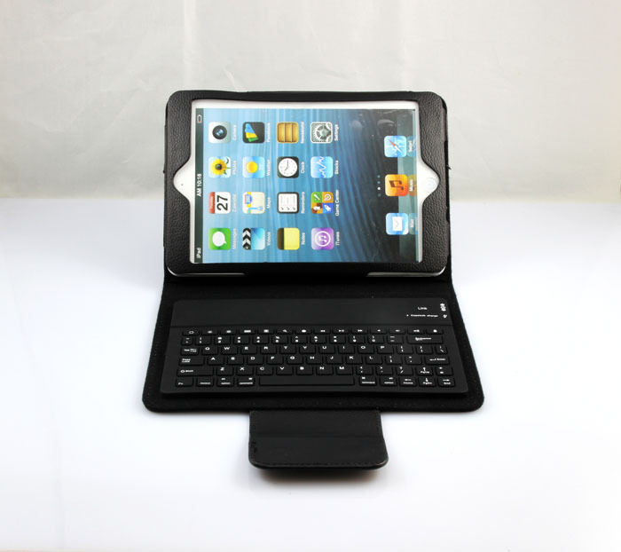 Black Silicon Leather Case with Built in Wireless Bluetooth Keyboard( more than 5 pcs be shipped free by DHL)(China (Mainland))
