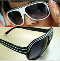 wholesale free shipping  2013 HOT sale  cool  fashion big black sunglasses ( oculos de sol )for men and women