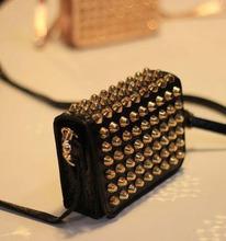 novos 2014 moda europeus e americanos estilo de bolsas femininas rebite saco vindima pu couro ombro Clutchs dia bolsas de mensageiro(China (Mainland))