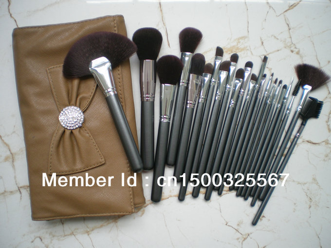 NEW SHOP 50% DISCOUNT OFF ! 22 PIECES PER SET Professional Makeup Brushes Tools Synthetic Cosmetic Brushes set Beauty Set & Bag(China (Mainland))