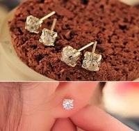 P0032 Free shipping New arrival beautiful fashionable simple crystal stud earrings for women ladies