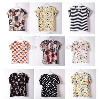 Легкая свободная блуза из шифона с О-образным вырезом и короткими рукавами.