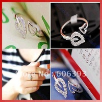 10Pcs/Lot New Cute Fashion Exquisite Alloy Rhinestone 2 Leaf Ring Silver Color jewelry gift