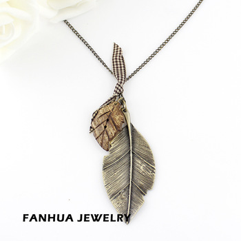 Vintage Jewelry Hot Selling Antique Gold Color Alloy Leaf Charms Lovely Pendant Necklace for Women