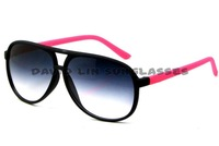 Free Shipping 3025 classic brand sunglasses women best selling new design sun glasses quality SUNGLASSES 8975