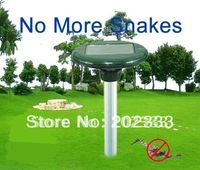 new design solar power ultrasonic snake repellers with lights