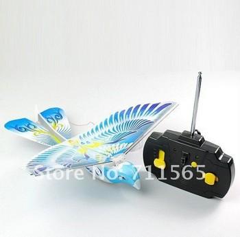 Free Shipping! Hot! 2013 New toys! Helicopter! redio control flying bird e bird toy hobbies rc bird hunter! E-BIRD