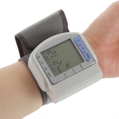 2015 New Health Care Portable Home Automatic Digital Wrist Cuff Blood Pressure Monitor & Heart Beat Meter Lcd Display sa003(China (Mainland))